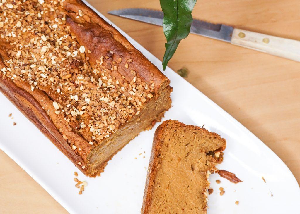 une recette express pour réaliser un délicieux gâteau à la patate douce, sans gluten et sans matière grasse