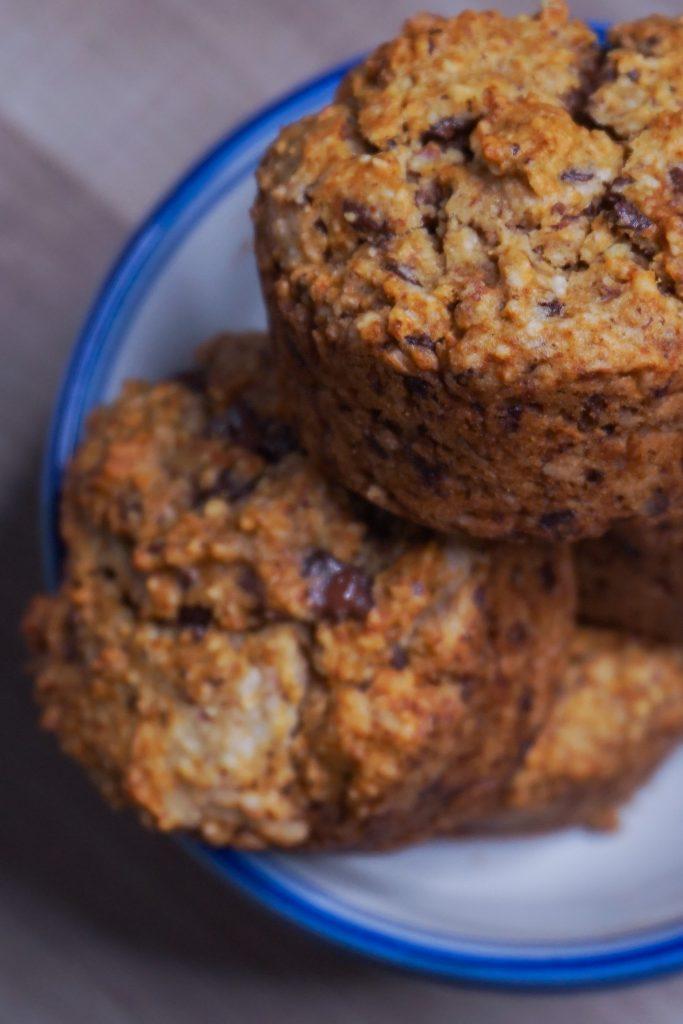 de délicieux muffins aux pépites de chocolat,, healthy et sans gluten.